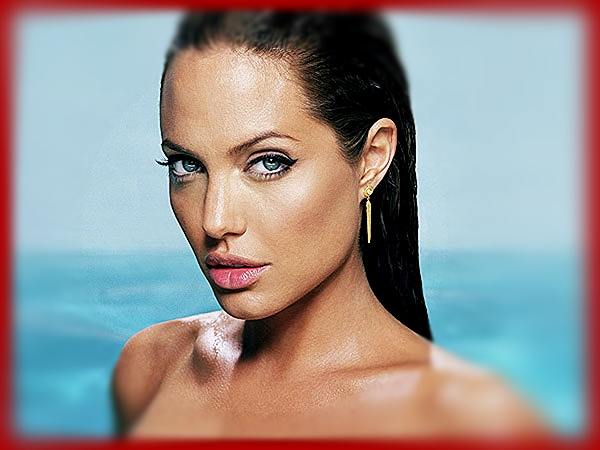 Angelina-Jolie - red border